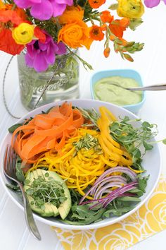 So much colour, so much fun and it's deliciously healthy food.Rainbow salad w- avocado dressing first up Salad Bar, Soup And Salad, Raw Food Recipes, Healthy Recipes, Rainbow Salad, Crudite, Clean Eating, Healthy Eating, Food Porn