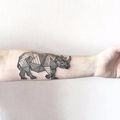 Aquí algunos tatuajes para todos los que no se dejan de sorprender de la belleza y fuerza que hay en cada uno de los animales que habitan el planeta.