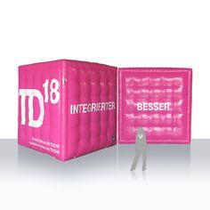 aufblasbare Werbewürfel T-Mobile / aufblasbare Riesenwürfel T-Mobile / Sonderfarbe magenta / Einbaugebläse / kurze Aufbauzeit / Verwendung outdoor und indoor. Mobiles, Magenta, Wallet, Outdoor, Outdoors, Mobile Phones, Outdoor Games, The Great Outdoors, Purses