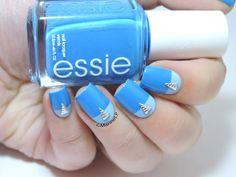 Un rêve bleu pour Nina ♫ ♪ - easy graphic nails - color block - studs - nailart