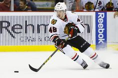 Vincent Hinostroza: The Face of Chicagoland Hockey - http://thehockeywriters.com/vincent-hinostroza-the-face-of-chicagoland-hockey/