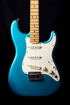 1983 Fender Stratocaster Lake Placid Blue