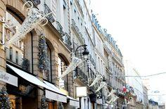 HiP Paris blog. Christmas 2015. Rue Saint-Honore. Trumpeting love during this joyous season. Beautiful Paris, Beautiful Images, Paris Images, Christmas 2015, Street View, Journey, Italy, France, Dreams