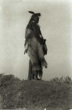 Post with 29 votes and 503 views. Circa late photos of Native Americans Native American Regalia, Native American Photos, Native American History, Native Indian, Native Art, Navajo Nation, First Nations, Historical Photos, Indiana