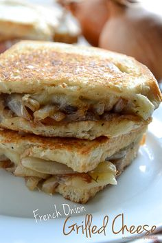 An easy recipe for French Onion Grilled Cheese that is topped with a creamy sauce for the ultimate sandwich. Vegetarian Recipes, Cooking Recipes, Cheese Recipes, Yummy Recipes, Def Not, Good Food, Yummy Food, Pizza, Soup And Sandwich