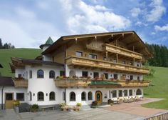 Alpenk�nig Zell am Ziller Offering a barbecue and ski-to-door access, Alpenk?nig is located in Gerlosberg above Zell am Ziller and offers a ski and bicycle storage room with a heated boot dryer. Free WiFi is available throughout the building.