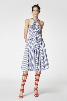 Fashion trends come and go but a major trend that has not lost its charm is striped dresses. Modest Fashion, Unique Fashion, Indian Fashion, Korean Fashion, Fashion Dresses, Fashion Looks, Vintage Fashion, Spring Dresses, Short Dresses