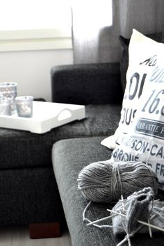 <3 Interior Inspiration, Throw Pillows, Home, Deco, Toss Pillows, Cushions, Ad Home, Decorative Pillows, Homes