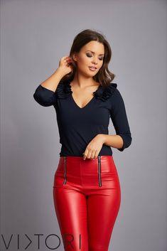SS2020 kollekciónk megérkezett! 💋✨ #VIKTORInewin Keresd forgalmazóinknál, vagy a webshopon! www.viktori.hu  #VIKTORI #ViktoriBudapest #fashion #photooftheday #style #viktorinewin #viktoriSS2020 #outfitoftheday #fashionaddict #designer Fasion, Leather Pants, Leather Jogger Pants, Lederhosen, Fashion, Leather Leggings