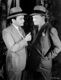 Edward G. Robinson and James Cagney in Smart Money (1931)