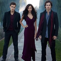 Vampire diaries: Stefan Salvatore (Paul Wesley), Elena Gilbert (Nina Dobrev), and Damon Salvatore (Ian Somerhalder)
