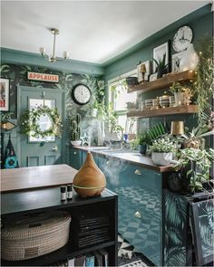 3-powerful-ways-to-bring-nature-indoors-smellacloud-diffuser-essential-oil Diy Projects On A Budget, Easy Diy Projects, How To Hang Wallpaper, Wallpaper Ideas, Blue Green Kitchen, Green Lounge, Cosy Lounge, Dark Blue Living Room, Eclectic Living Room
