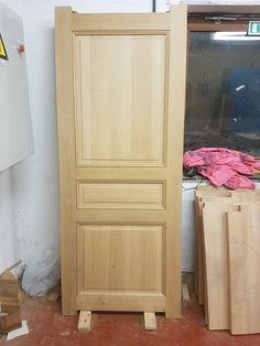 Portes intérieures. Single Door Design, Front Door Design Wood, Wooden Door Design, Bedroom Door Design, Door Design Interior, Modern Wooden Doors, Modern Front Door, Spa Furniture, Dressing Table Design
