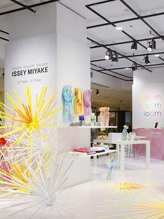Bloom Bloom Bloom Pop up Shops by Emmanuelle Moureaux store design