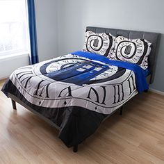 Have Doctor Who dreams come true when you're curled up under this Doctor Who Microfiber Comforter Set, decorated with the Twelfth Doctor's title sequence's time spiral.