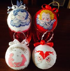 Palline per albero di natale a punto croce - cross stitch, Christmas decorations