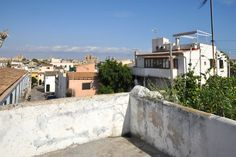 Santa Catalina, Palma de Mallorca: Townhouse in Es Jonquet with great potential