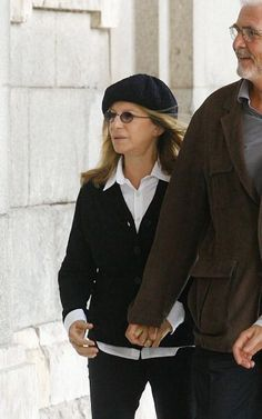 Barbara Streisand and James Brolin visit the Spanish Royal Palace on October 29 2010 in Madrid Spain