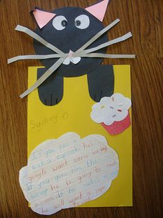 Cause and Effect with If You Give a Cat a Cupcake. (website has another cause and effect lesson) or if you give a mouse a cookie Kindergarten Literacy, Reading Activities, Teaching Reading, Classroom Activities, Preschool, Teaching Ideas, Classroom Projects, Book Projects, Literacy Centers