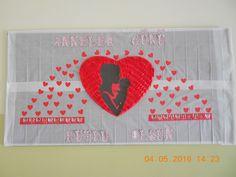 ANNELER GÜNÜ Valentine's Day Crafts For Kids, Diy And Crafts, Arts And Crafts, Valentine Day Crafts, Valentines, Art Bulletin Boards, Baby Sketch, Art N Craft, Mom Day