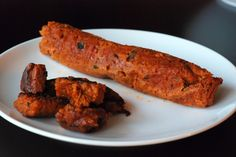 Chorizo Seitan Sausages - well, i'll have to try this.being Catalan, soyrizo just doesn't do it for me, and the smart deli chorizo has egg whites :( WHY! Seitan Recipes, Raw Vegan Recipes, Vegan Foods, Sausage Recipes, Vegan Dishes, Veggie Recipes, Mexican Food Recipes, Vegetarian Recipes, Vegan Meals