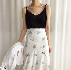 48 catchy summer outfits that impress everyone 11 - JANDAJOSS.ME 48 catchy summer outfits that impress everyone 11 - JANDAJOSS.ME , 48 catchy summer outfits to impress everyone 11 – JANDAJOSS.ME , Fashion Tren Sourc. Petite Outfits, Petite Dresses, Mode Outfits, Skirt Outfits, K Fashion, Petite Fashion, Korean Fashion, Fashion Outfits, Cheap Fashion