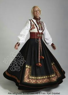 """National dress(bunad) from Norway. This one is called """"beltestakk"""" from Telemark Traditional Fashion, Traditional Dresses, Folklore, Norwegian Clothing, Norwegian Fashion, Costume Ethnique, Beautiful Norway, Costumes Around The World, Ethnic Dress"""