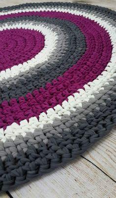 Crochet Crochet Doily Rug, Crochet Carpet, Crochet Box, Granny Square Crochet Pattern, Crochet Stitches Patterns, Crochet Yarn, Knit Rug, Fabric Yarn, Knitted Blankets