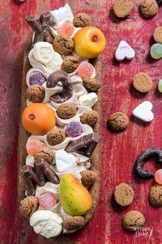 Sinterklaas slof bakken – recept Dutch Recipes, Sweet Recipes, My Favorite Food, Favorite Recipes, Good Food, Yummy Food, Holiday Snacks, No Bake Pies, No Bake Desserts