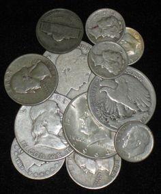 Ankauf von Silbermünzen in allen Legierungen  Ob Gedenkmünzen oder eine der bekannten Prägungen wie American Eagle oder Britannia, Silber- und auch Billionmünzen: Wir kaufen sämtliche Münzen gern an. Wenn Sie vorhaben, Ihre Silbermünzen zu Geld zu machen, dann wenden Sie sich bitte an uns.  http://www.goldankauf-dresden.com/silbermuenzen-ankauf
