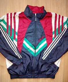Adidas Originals vintage 90's mens nylon tracksuit top jacket,in good condition! Size M ( see measurements on foto)    ** Please see my description and pictures before bidding.  ***14 Days Money Back GuaranteeI describe all items as they are and also take sufficient pictures to show you the item you will be getting. I also respond immediately to all inquiries  *** Please do not leave negative feedback before contact us,We will try to solve any problem that might happen.…