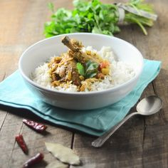 A Brown Table - Every Meal Should Be Simple but Exciting: slow-cooker goan chicken coconut curry