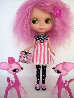Blythe, her funky skull bag and her deers