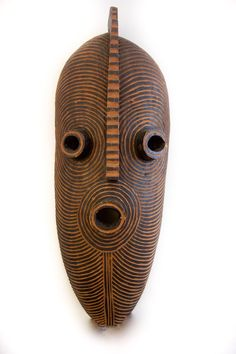Africa is well recognized for it's abstract scultpures. Thi wooden sculpture is very inspirng to us.