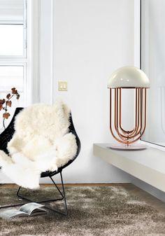 Lámpara de sobremesa Turner: formas femeninas  y art decó