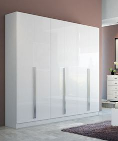 Accommodate your growing number of outfits and accessories with this wardrobe designed with an ultra-resistant finish and protected by antibacterial paint to keep it looking sleek and clean, plus the clothes held inside remain pristine.