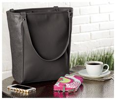 ALL NEW PURSES - JEWELL by Thirty-one. Available Dec.30th at:http://www.mythirtyone.com/603270