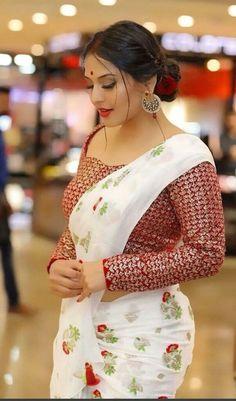 Indian Desi beauties Indian beautiful girl – Indian Desi Beauty – Indian Beautiful Girls and Ladies Beautiful Girl Indian, Most Beautiful Indian Actress, Beautiful Saree, Gorgeous Women, Beauty Full Girl, Beauty Women, Real Beauty, Saree Models, Indian Beauty Saree