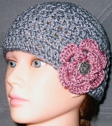 gray hat with flower, crochet pattern