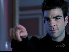 Zachary Quinto as Sylar in Heroes. The best psychopath pose ever! Sylar Heroes, Heroes Tv Series, Nos4a2, Best Villains, Zachary Quinto, Geek Squad, Chris Pine, Spock, Netflix Series