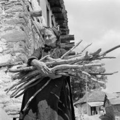 Greece, woman carrying bundle of sticks in Métsovon :: AGSL Digital Photo Archive - Europe University Of Wisconsin, Library University, Old Faces, Greek Life, Photo Archive, Girl Costumes, Carry On, Sticks, Greece