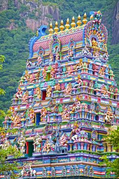 Architecture Discover The 7 Most Beautiful Temples in India Indian Temple Architecture, India Architecture, Gothic Architecture, Ancient Architecture, Ramanathaswamy Temple, Hindu Temple, Juno Temple, Golden Temple, Les Seychelles