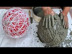 Make flower pots from balloons – Ideas for making decorative flower pots – Craft ideas – Desinfektionsmittel Diy Home Crafts, Garden Crafts, Garden Projects, Garden Art, Diy Cement Planters, Cement Flower Pots, Concrete Crafts, Concrete Garden, Concrete Projects