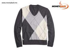 Fabricado de pura lana, el suéter con cuello en V y estampado argyle de BROOKS BROTHERS es un clásico que nunca perderá estilo. BROOKS BROTHERS MÉXICO es una empresa afiliada a MONEYBACK, servicio de devolución de impuestos para turistas extranjeros comprando en México. www.moneyback.mx  #moneyback