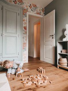 Ein Königreich voller Fantasie. Unser Kinderzimmer Baby Bedroom, Baby Room Decor, Girls Bedroom, Bedroom Decor, Baby Room Design, Nursery Design, Big Girl Rooms, Baby Boy Rooms, New Wall
