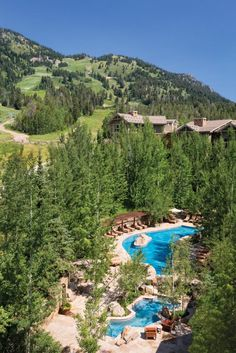"""It is overwhelming to have to choose a single """"Best"""" ski resort property, but the Four Seasons Jackson Hole makes a pretty good argument. It's not just an excellent hotel - its setting also has many unique advantages competitors simply cannot match."""