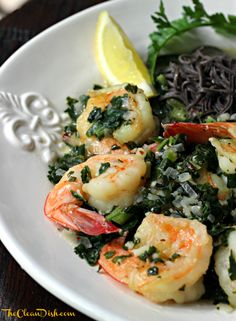 Shrimp With Lemon, White Wine and Spinach over Black Bean Spaghetti (grain free, gluten free) Seafood Dishes, Pasta Dishes, Seafood Recipes, Dinner Recipes, Bean Recipes, Paleo Recipes, Cooking Recipes, Advocare Recipes, Black Bean Spaghetti