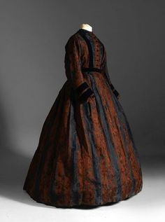 Simple 1860 dress