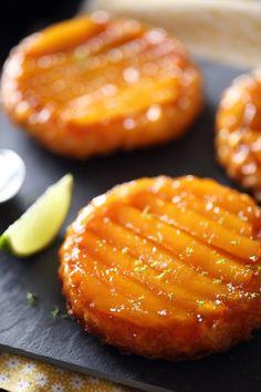 Mango tatins with lime chefNini Desserts With Biscuits, Köstliche Desserts, Delicious Desserts, Health Desserts, Tart Recipes, Sweet Recipes, Dessert Aux Fruits, Dessert Tarts, Mango
