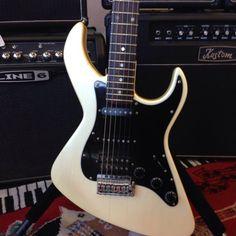 1983 vintage Dean Bel Aire guitar